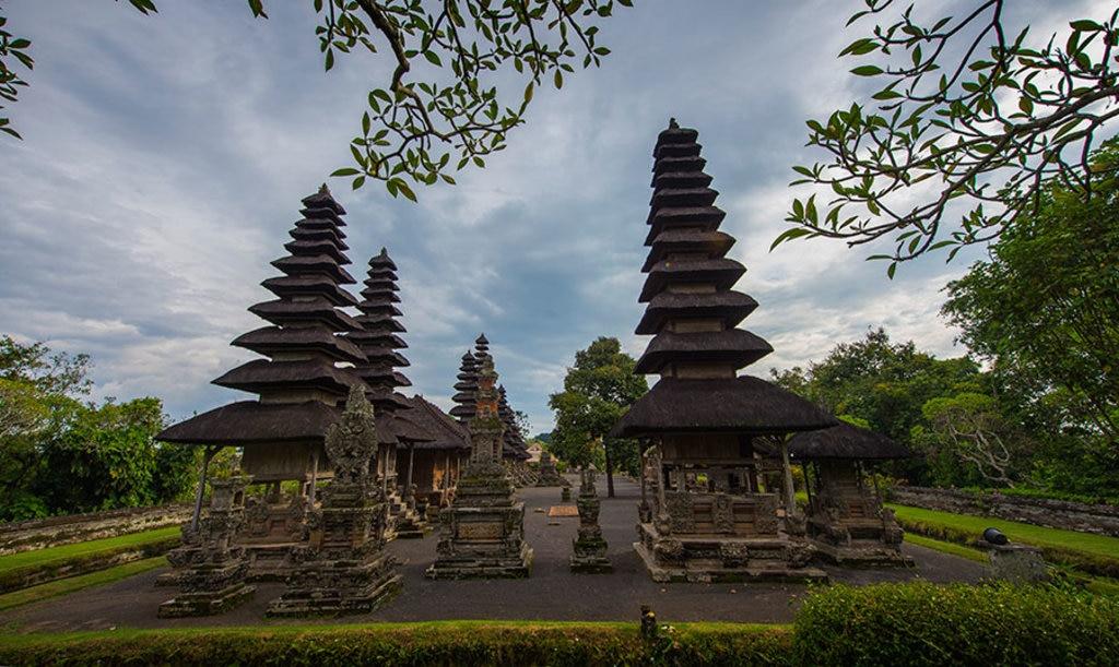 Bali_temple.jpg