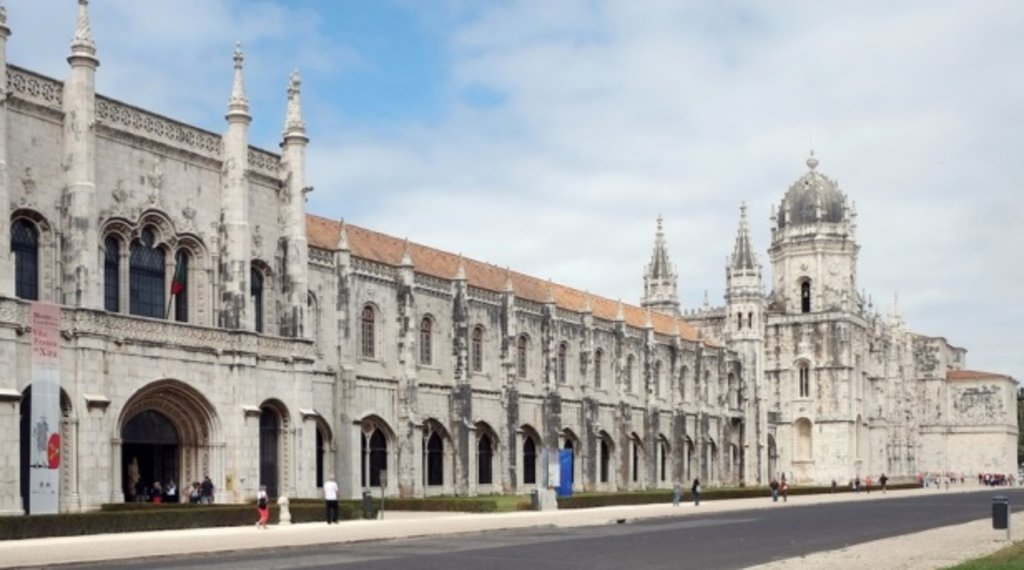 Mosteiro dos Jerónimos (1).jpg