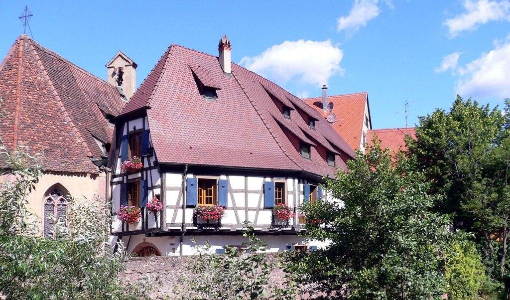 fachwerkhaus-1098726_1920.jpg