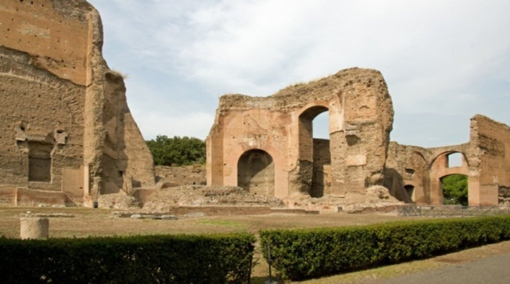 Printemps Saison ROME Thermes de Caracalla.jpg