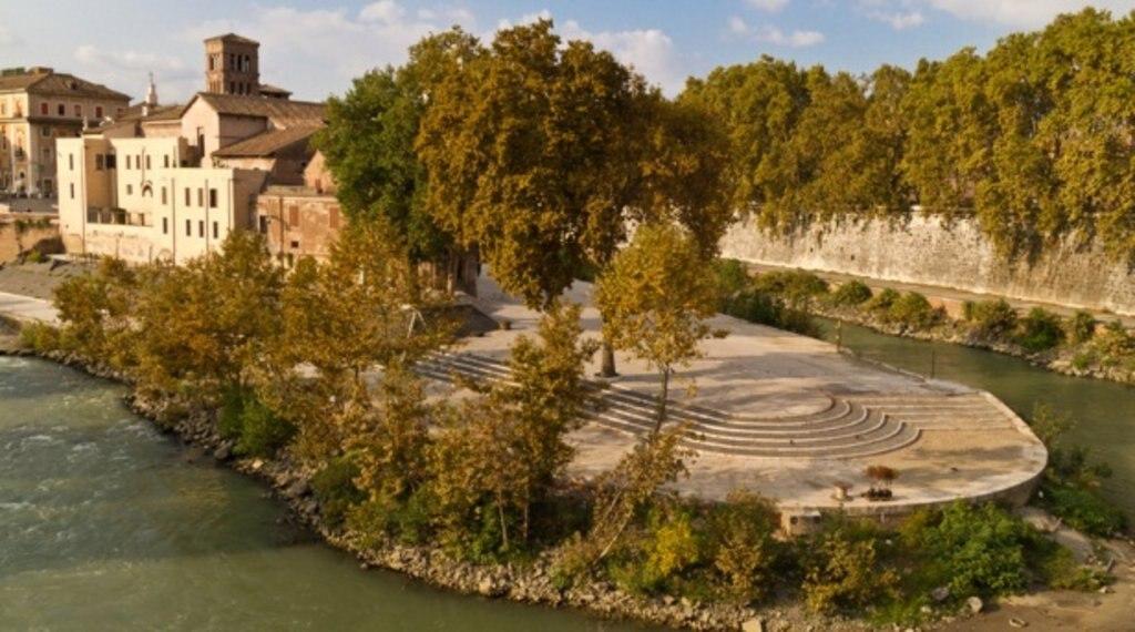 Ile Tibérine ROME SAISON.jpg