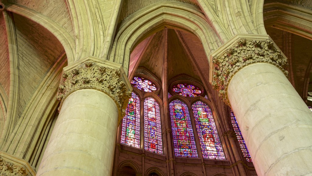 Reims Cathedral which includes heritage elements, interior views and heritage architecture