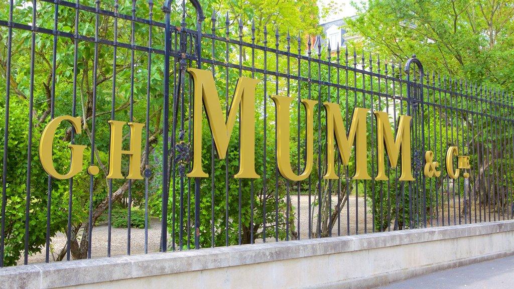 Mumm showing signage