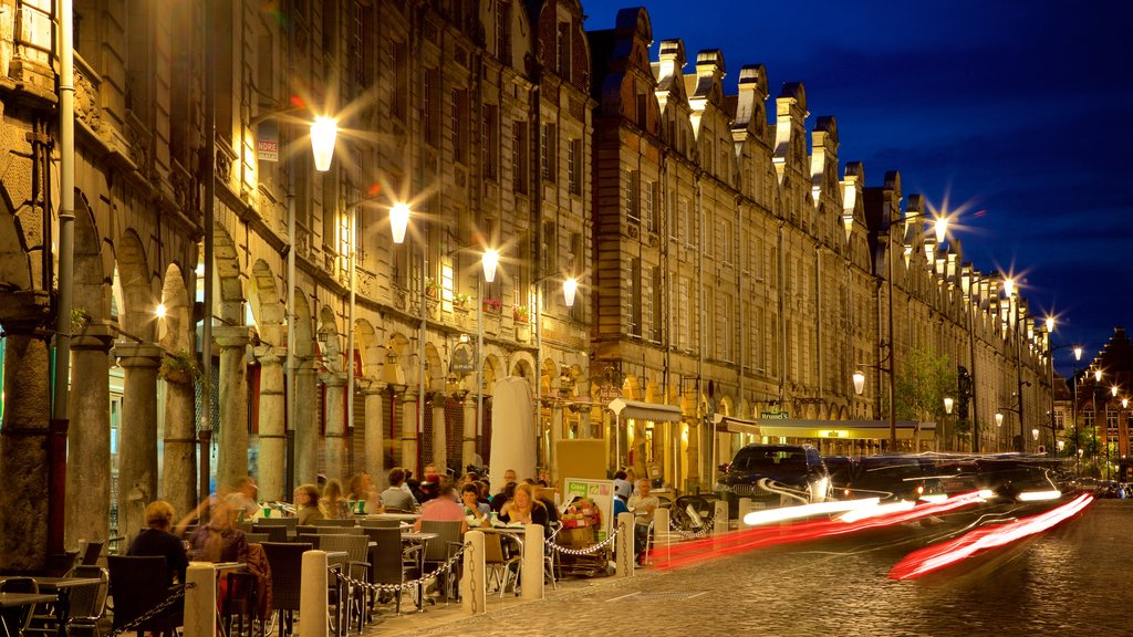 Grand Place which includes night scenes, dining out and nightlife