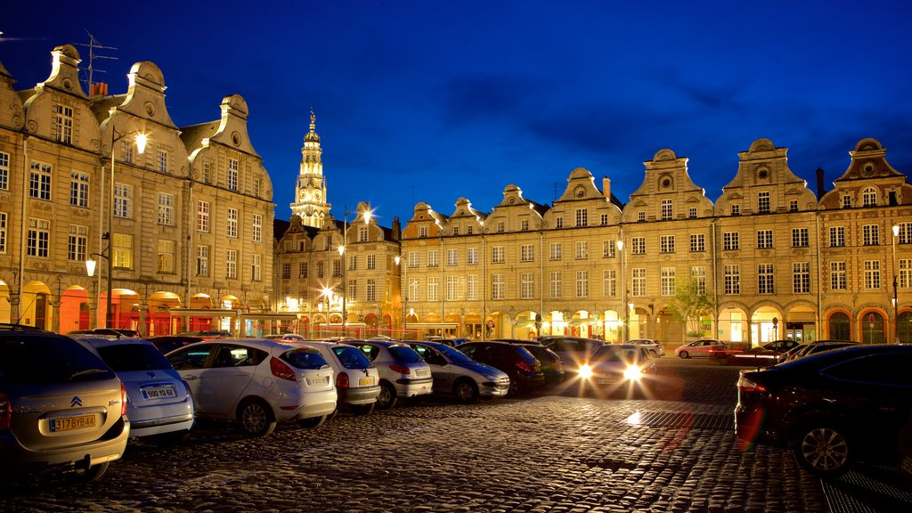 Grand Place which includes night scenes