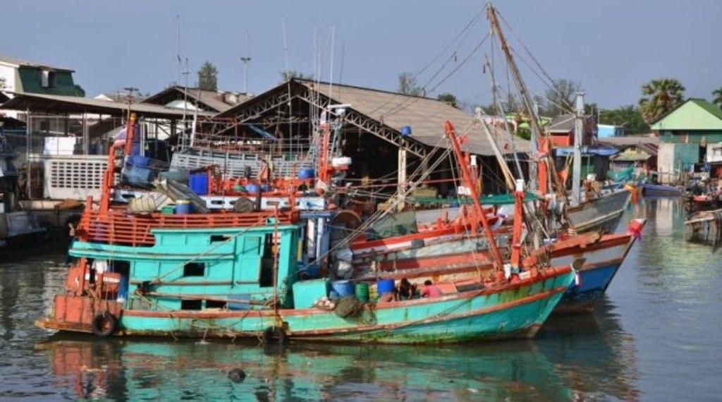 Bateaux de pêche à Phuket.jpg