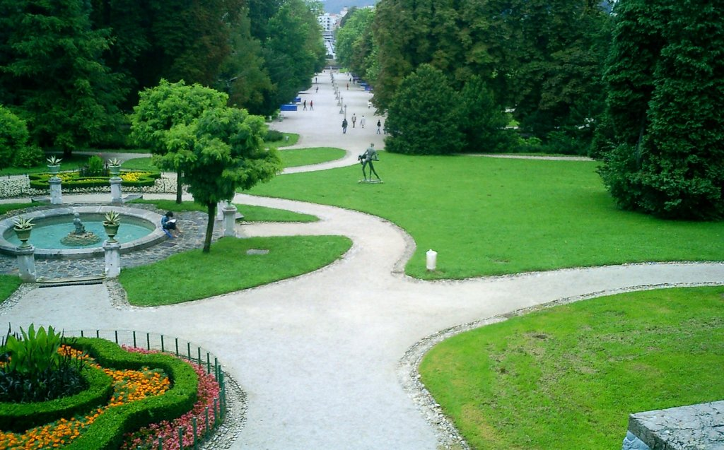 Park_Tivoli_-_Ljubljana_(2).jpg