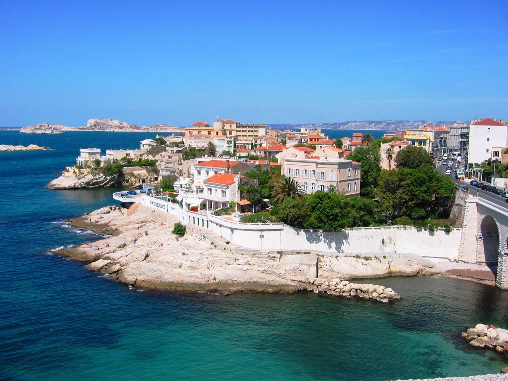 Marseille-corniche Jddmano CC BY-SA 3.0.jpg