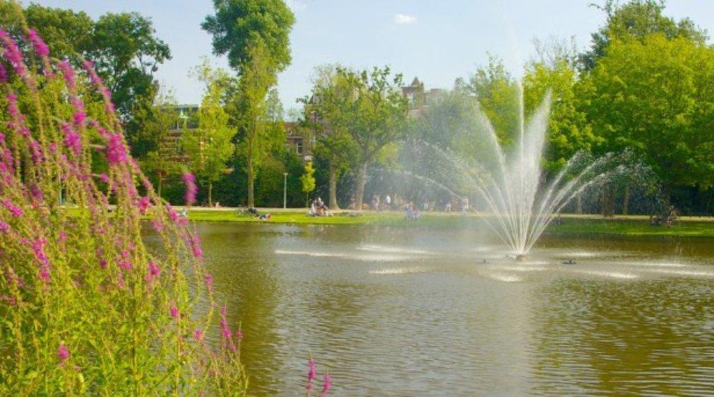 Vondelpark amsterdam(1).jpg
