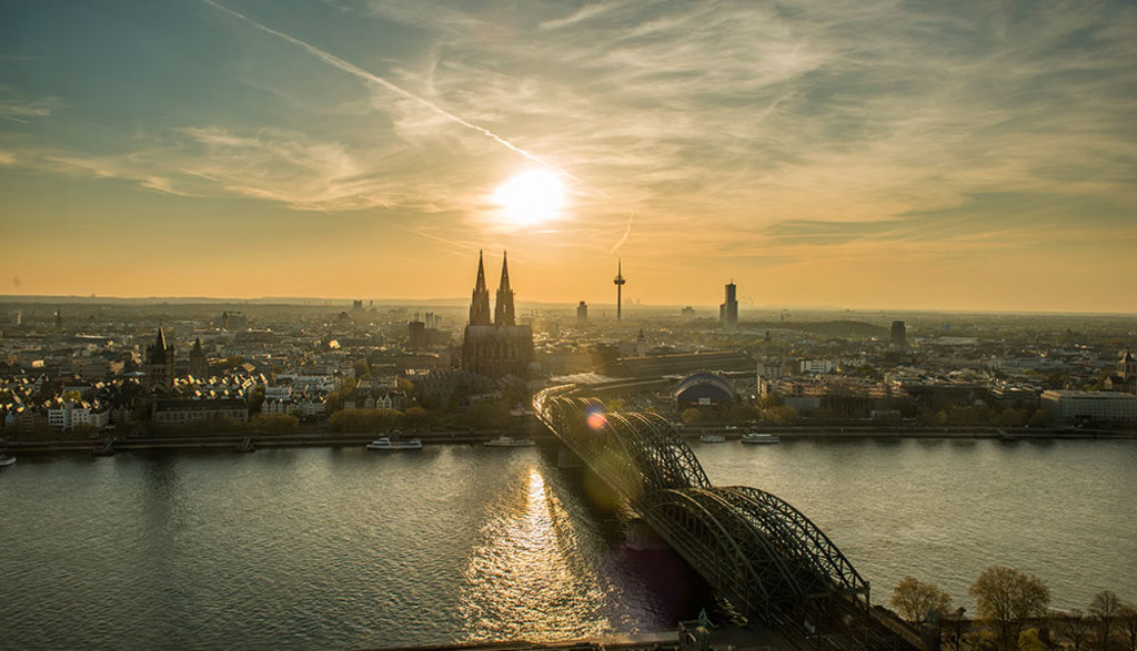 Hohenzollern-bridge.jpg