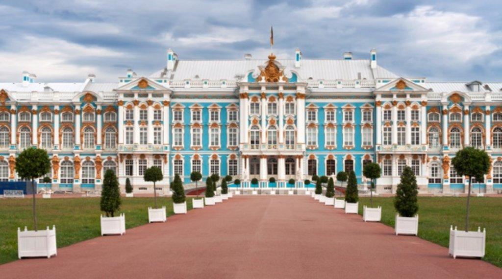 St Petersburg catherine palace.jpg