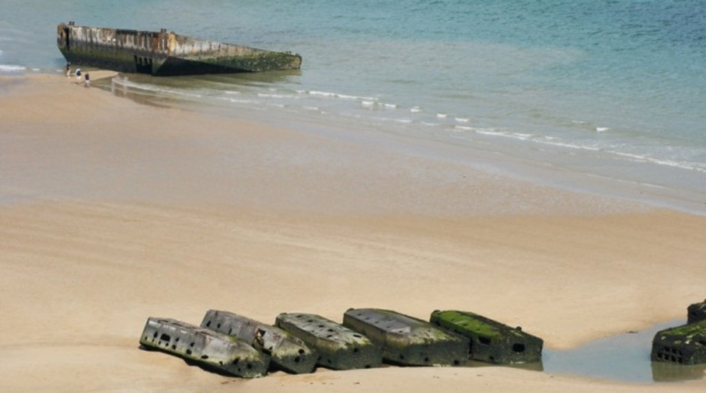 arromanches beach.jpg