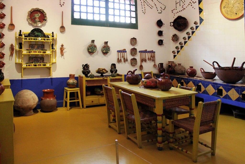 2013-12-22_Küche_Frida_Kahlo_Museum_Mexico_City_anagoria.JPG