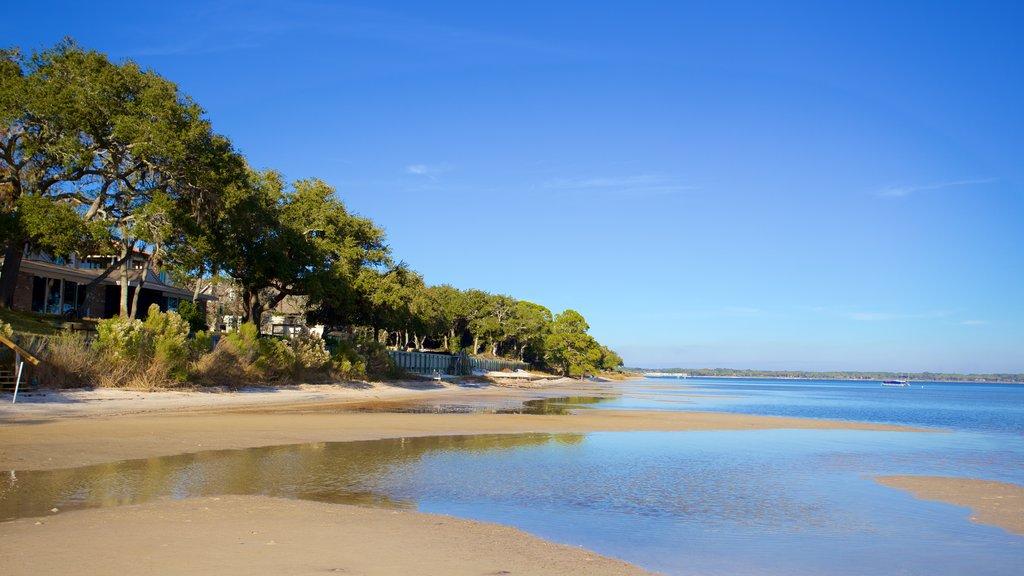 Upper Grand Lagoon showing a beach