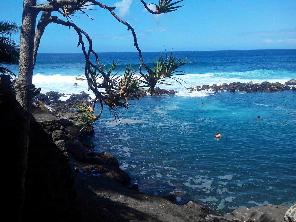 piscine manapany Nikkyo974 CC BY-SA 4.0.jpg