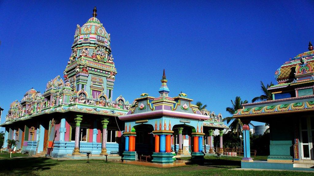 Le temple Siva Soupramanien de Saint-Paul, La Réunion.jpg