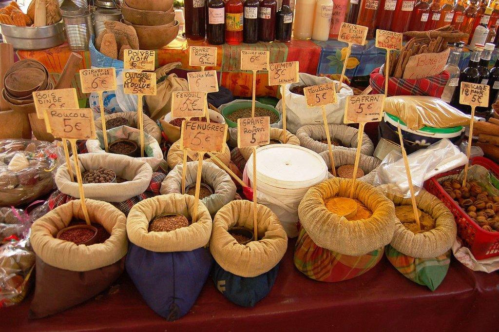 marché épices KoS CC BY-SA 3.0.JPG
