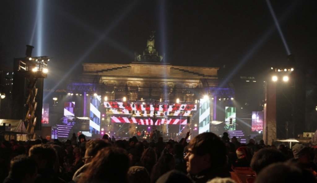 Berlin_NewYear_BrandenburgerTor_Flickr_CUSTOMIZED.jpg