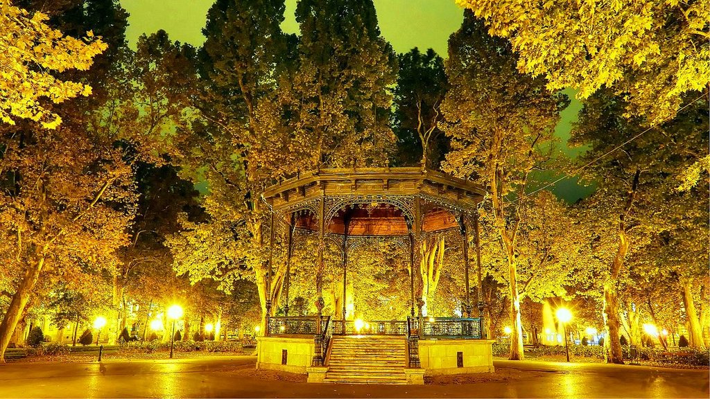 Zagreb-HR-(Park_Promenade_'Zrinjevac'-Musikpavillon) Damir-zg CC BY-SA 4.0.jpg