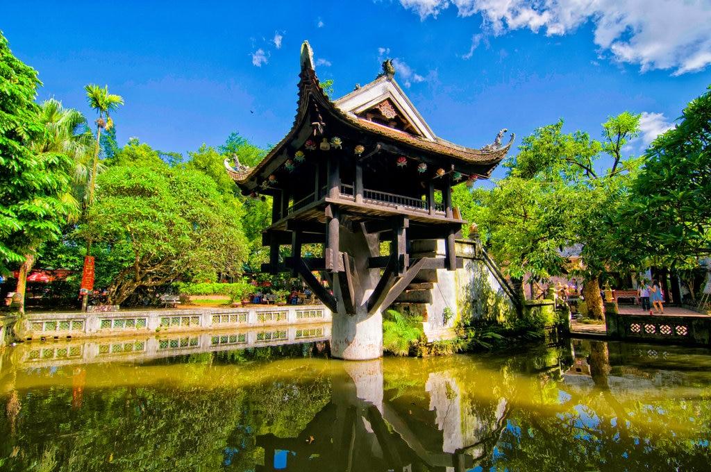 Temple Hanoi Shutterstock.jpg