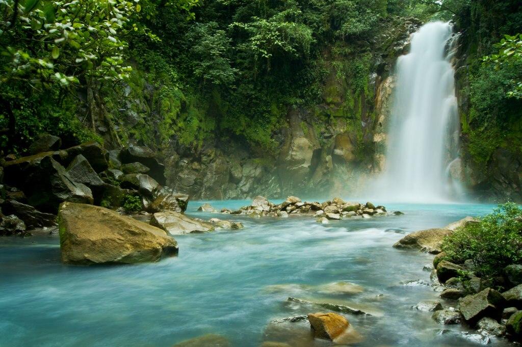 Chutes de Rio Celeste Costa Rica Getty Images.jpg