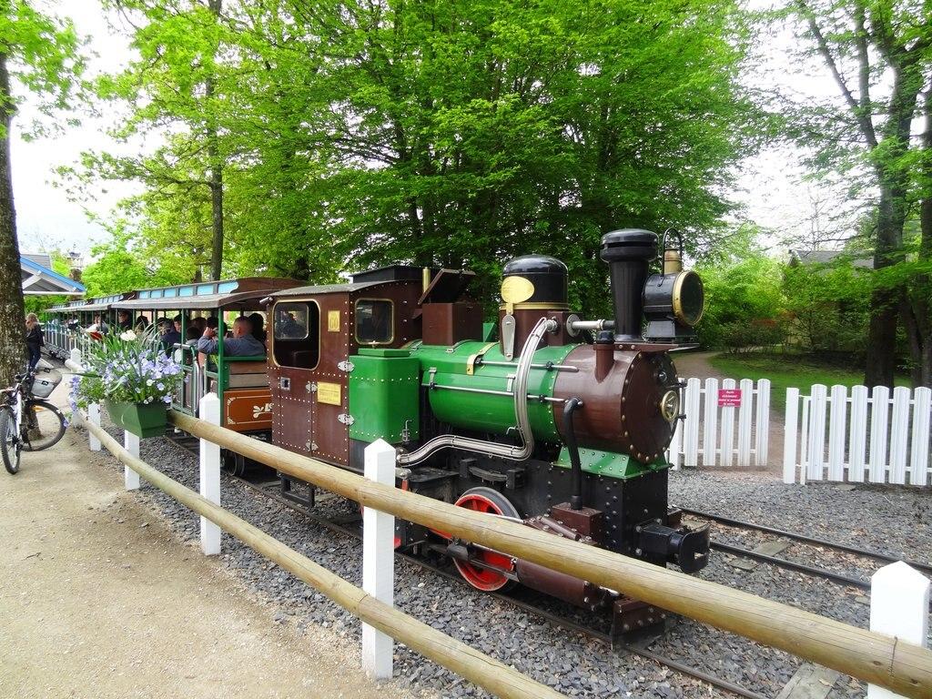 Train_du_parc_Le_PAL.JPG
