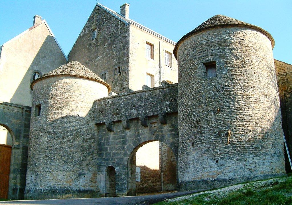 Flavigny-sur-Ozerain.JPG