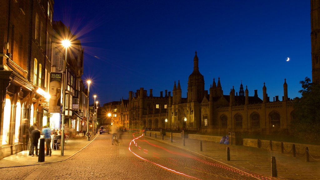 Cambridge showing night scenes and street scenes