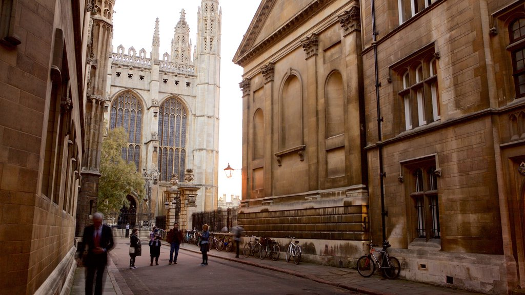 Cambridge which includes heritage elements and heritage architecture