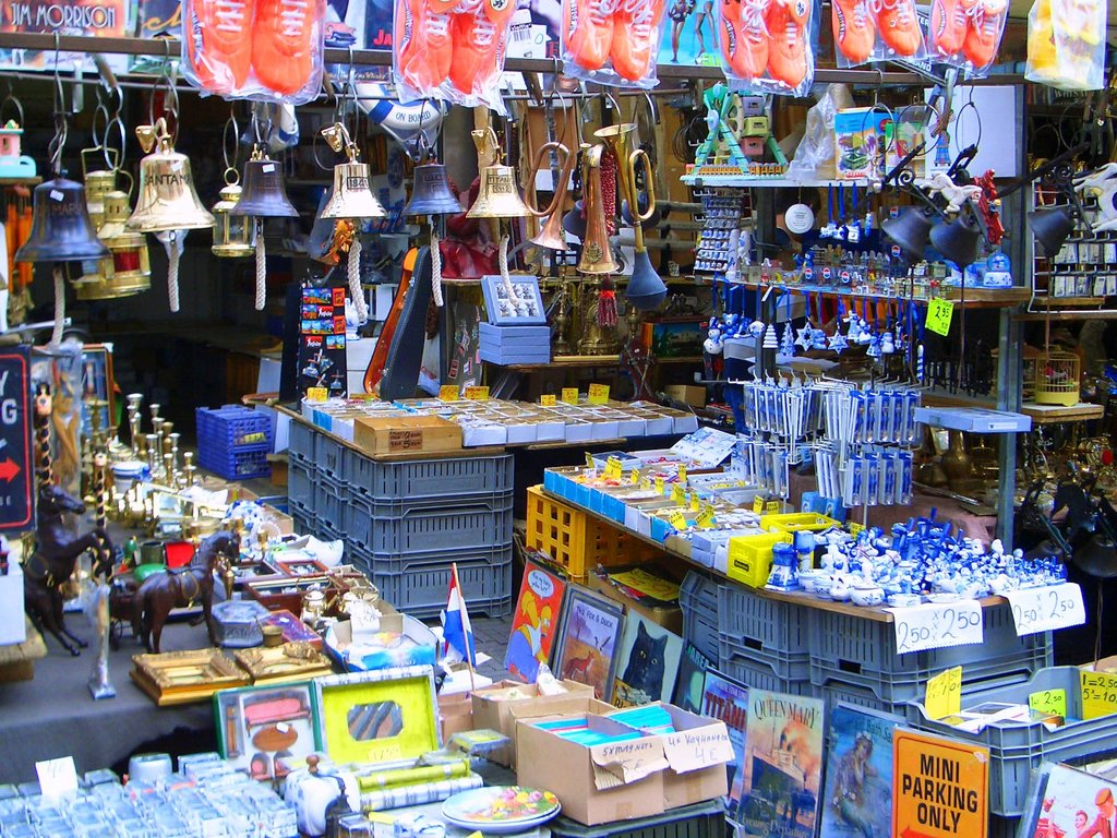 Amsterdam_flea_market.jpg