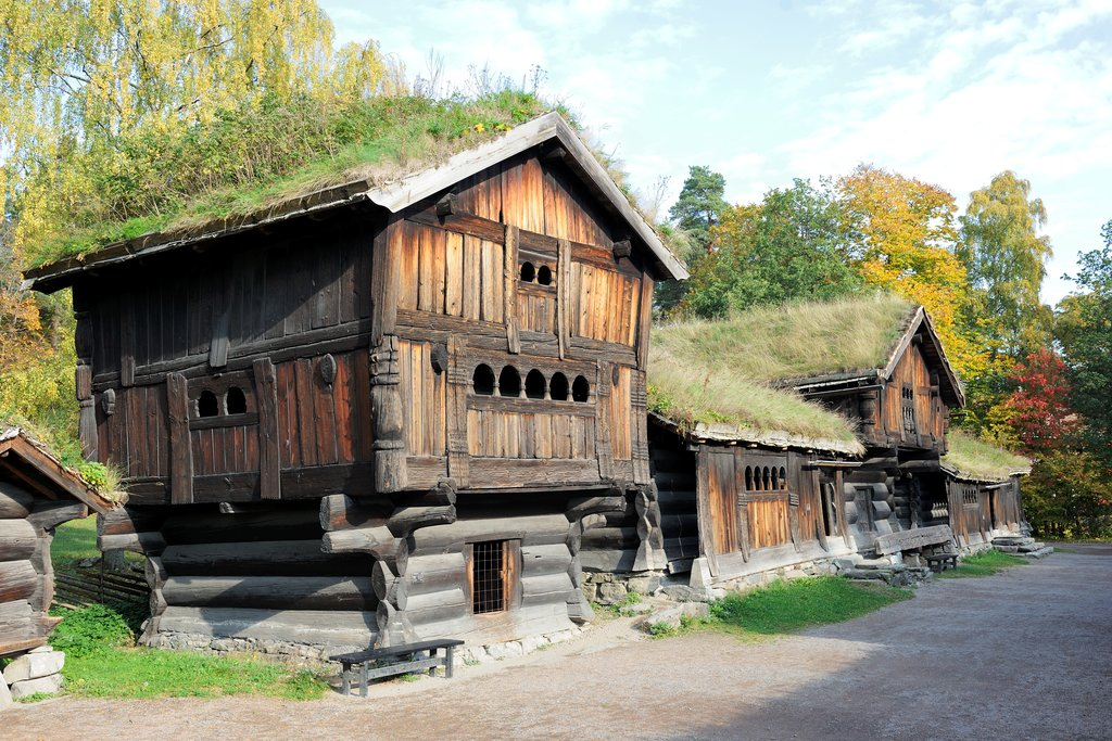 Buildings_at_Norsk_Folkemuseum_in_Oslo_Norway.png