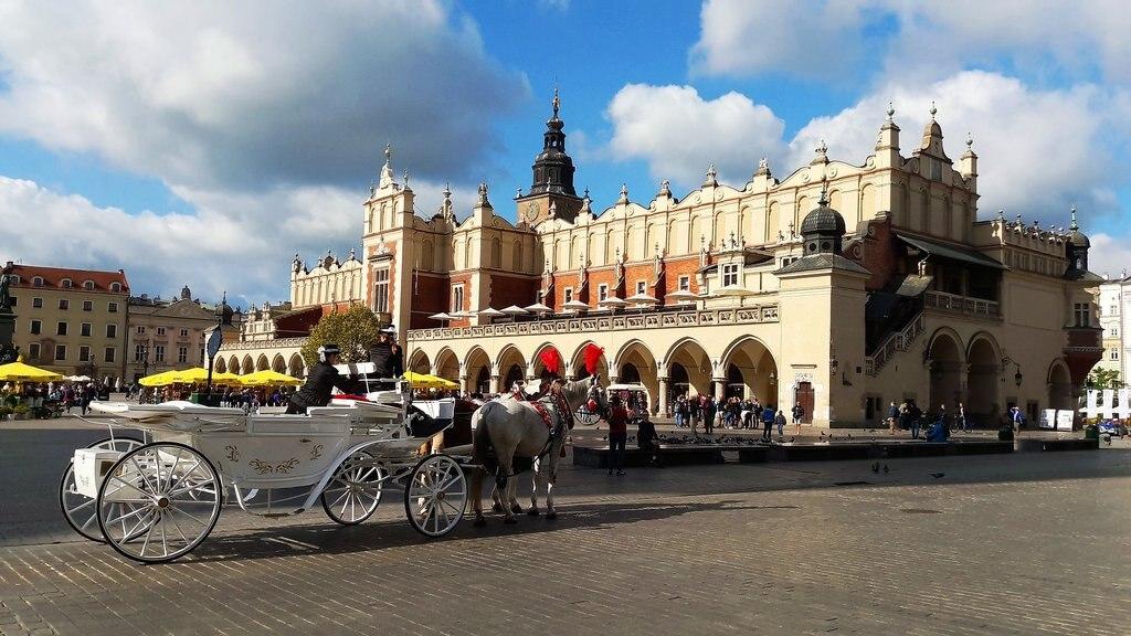 krakow-2745231_1920.jpg