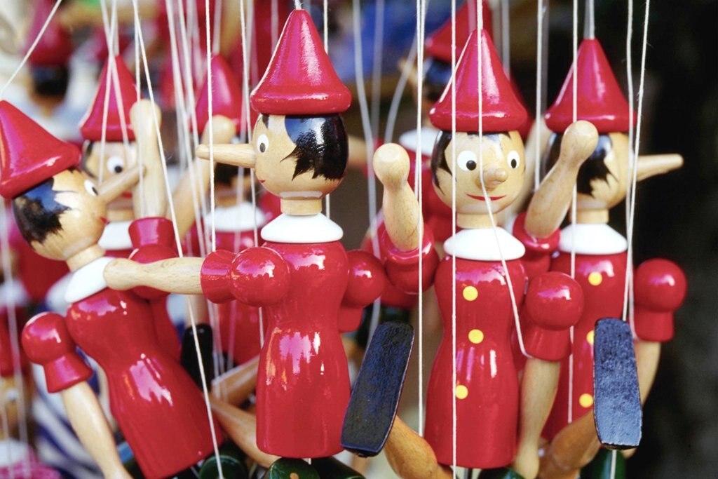 Marionettes de Pinocchio - Shutterstock.jpg