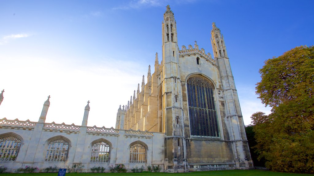 King\'s College Chapel featuring heritage elements, heritage architecture and a church or cathedral