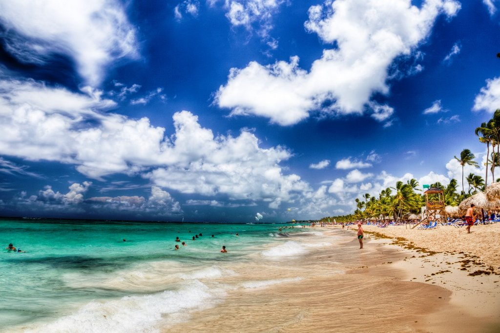 Punta Cana Ben Kucinski CC BY 2.0.jpg
