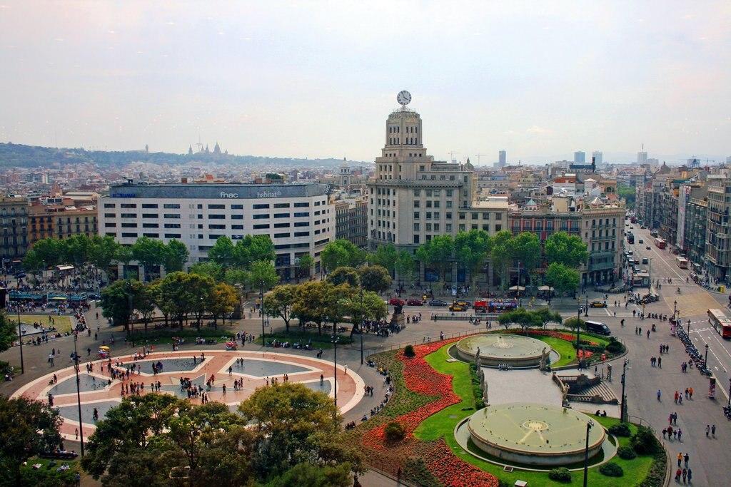 Plaça_Catalunya_2419053076.jpg