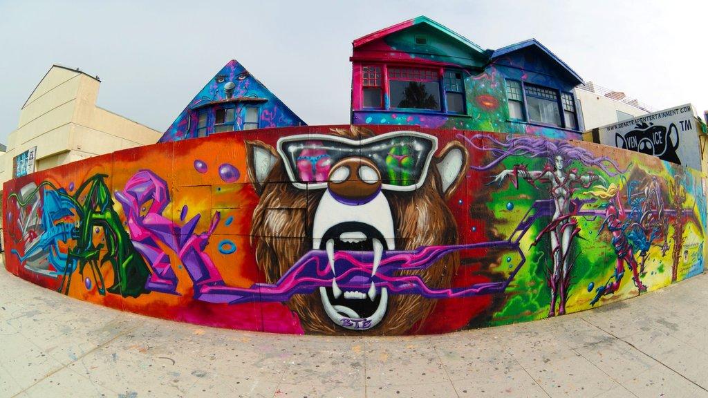 Venice beach street art Nan Palmero CC BY 2.0.jpg
