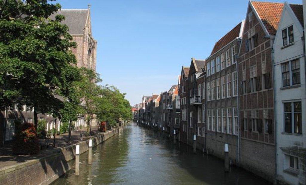 canal_de_dordrecht.jpg