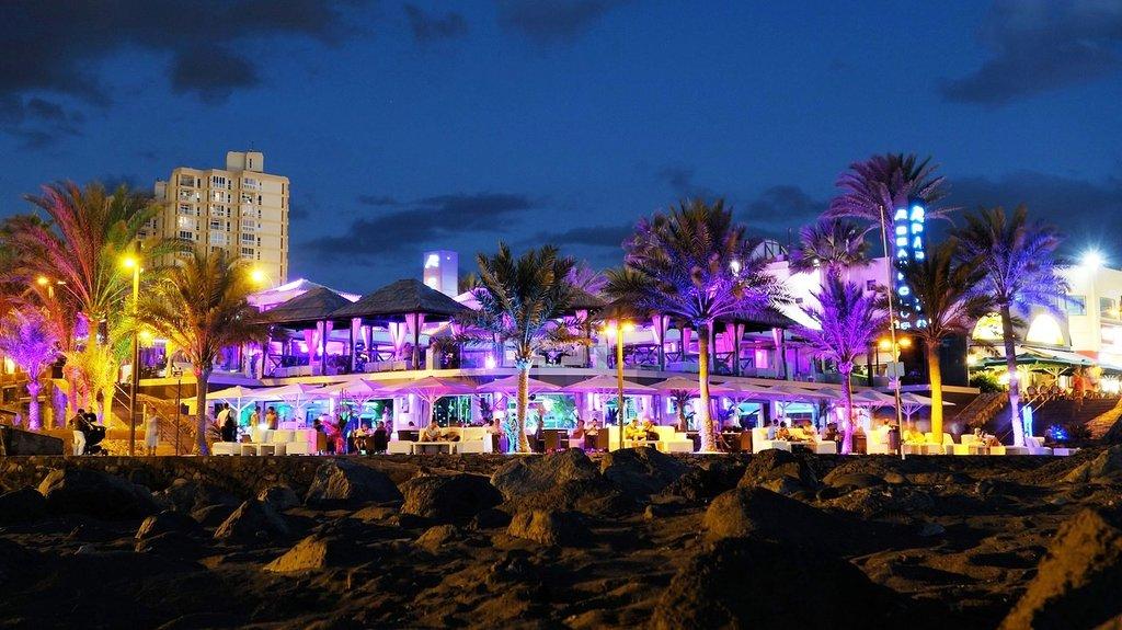 Beach bar Tenerife DP.jpg