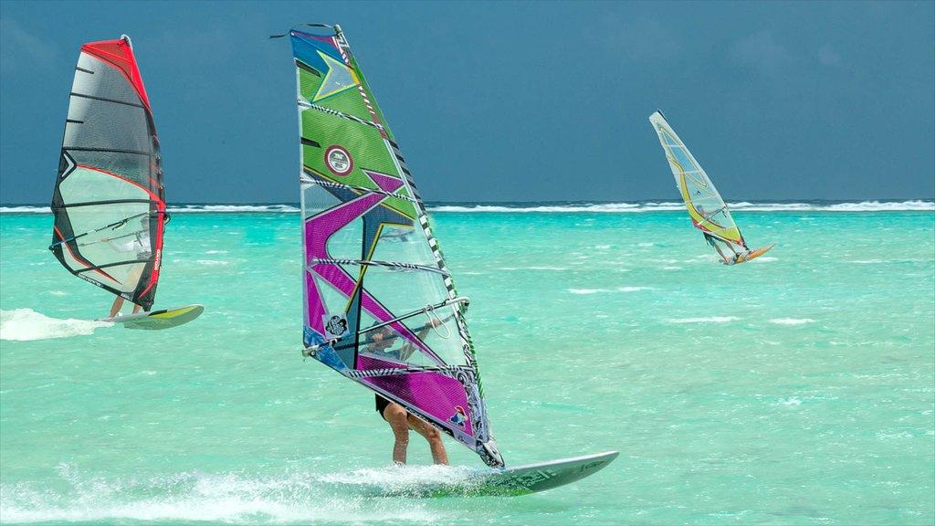 Bonaire mostrando surf y windsurf
