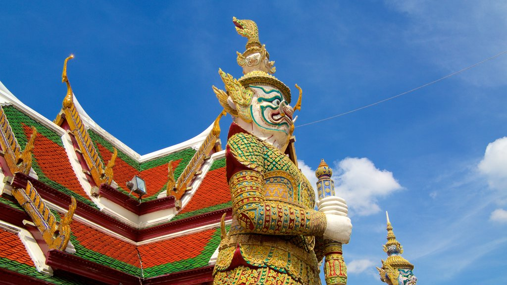 Temple of the Emerald Buddha featuring religious aspects and a temple or place of worship