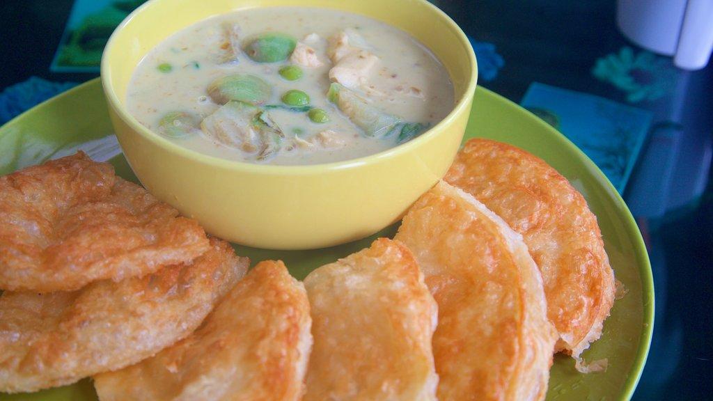 Pattaya featuring food