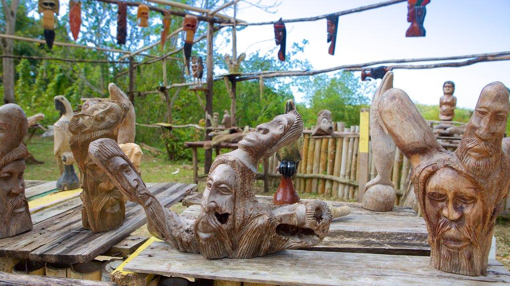 Cascadas Mayfield ofreciendo arte al aire libre y mercados