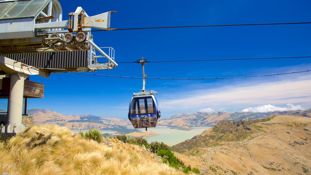Christchurch Gondola which includes mountains and a gondola