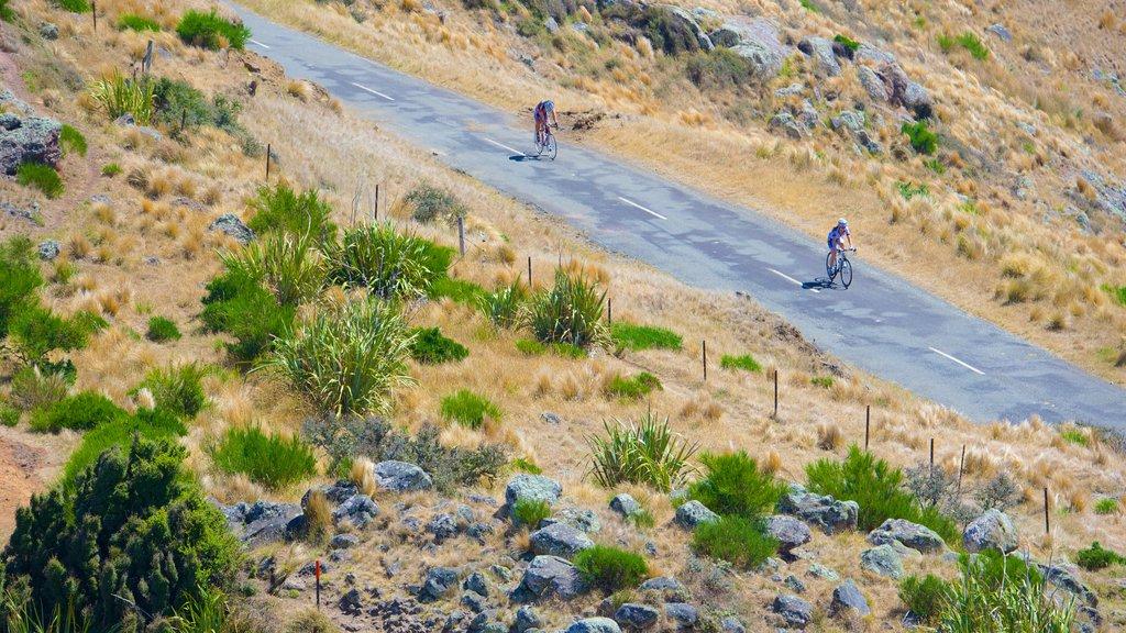 Mount Cavendish que incluye ciclismo de carretera