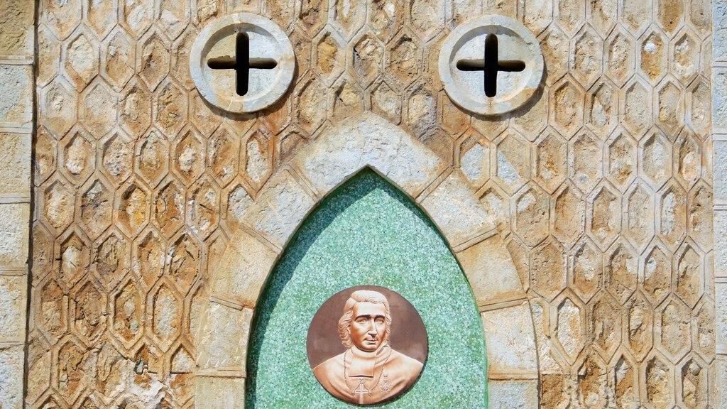 Catedral de Noumea mostrando patrimonio de arquitectura