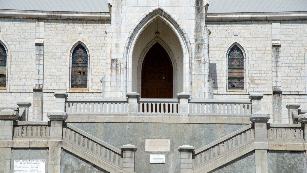 Catedral de Noumea ofreciendo patrimonio de arquitectura