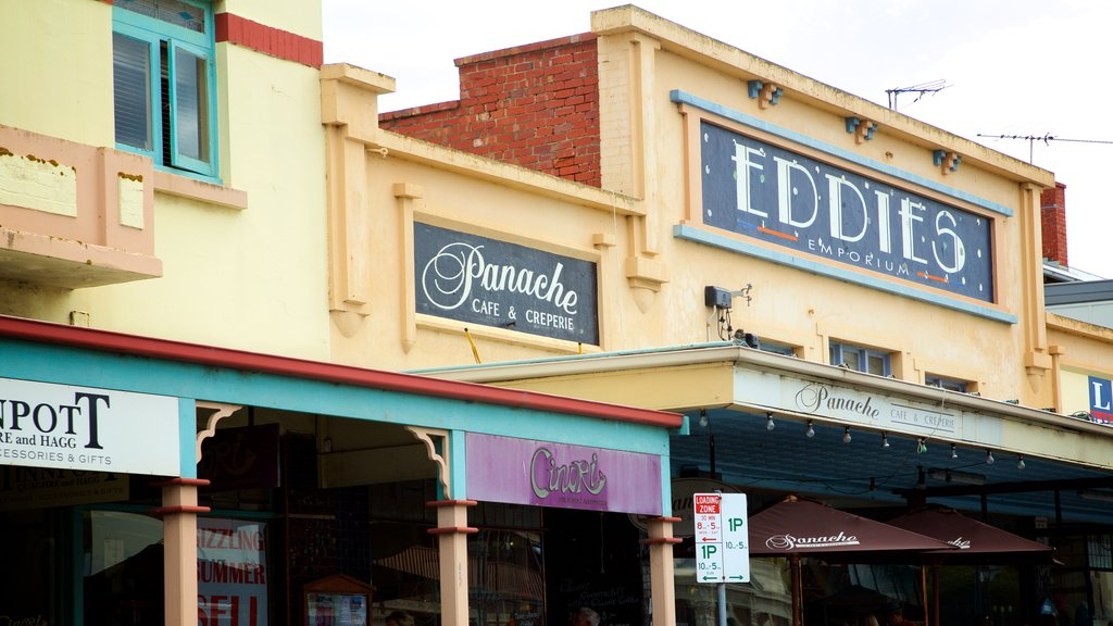 Queenscliff which includes heritage elements and signage