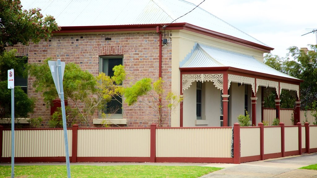 Queenscliff which includes heritage elements and a house