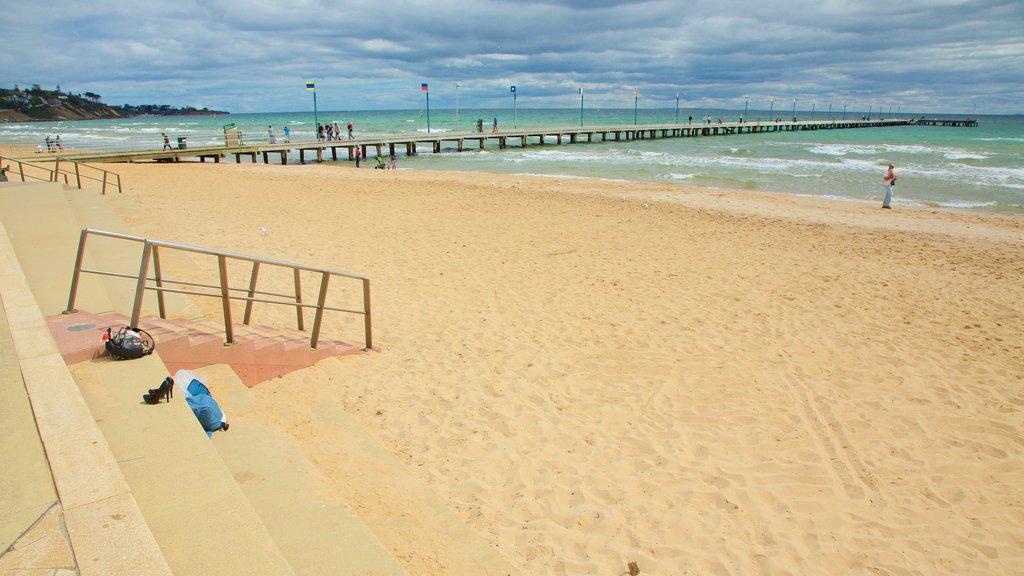 Frankston showing a beach